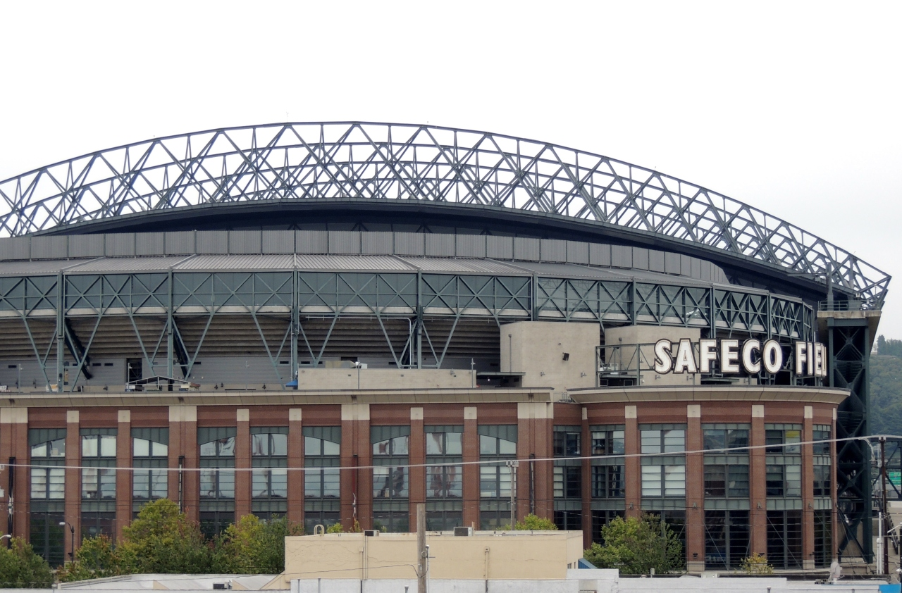 Out and About| Seattle Waterfront and Pike Place Market #Safeco field