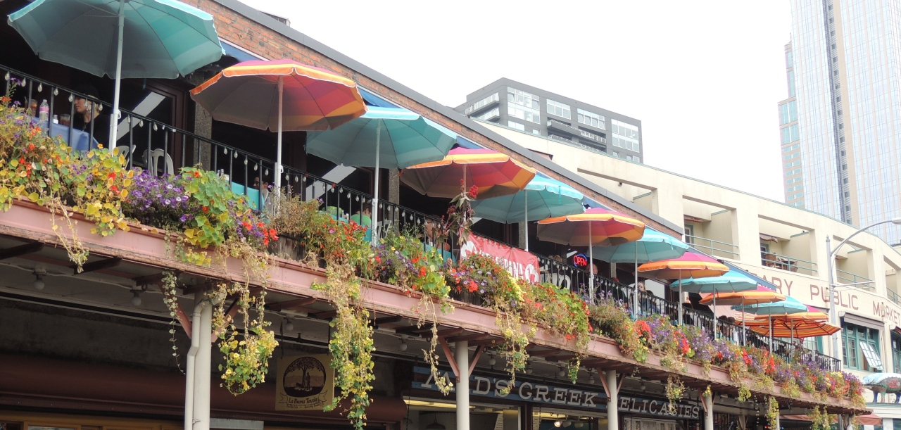 Out and About| Seattle Waterfront and Pike Place Market outdoor seating