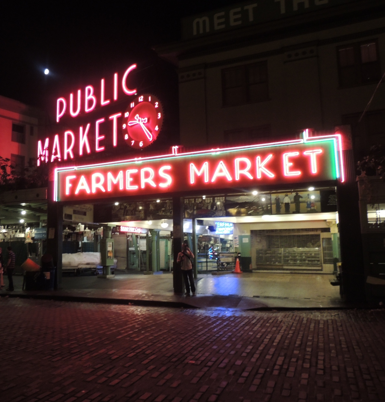 Out and About| Seattle Waterfront and Pike Place Market 137
