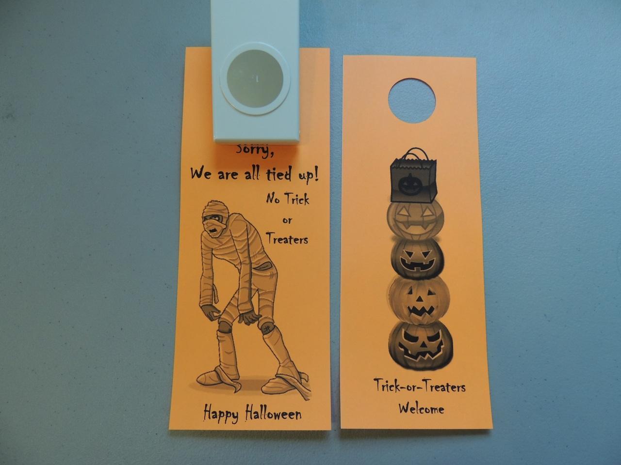 Decorating Ideas > FREE Printable Halloween Door Hanger For Your Apartment  ~ 040025_Halloween Door Hangers Free Printable